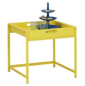 Table d\'appoint avec plateau coloris jaune à 17,58€ @ Conforama