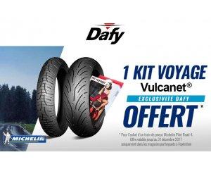 un train de pneus moto michelin pilot road 4 un kit de voyage vulcanet offert dafy moto. Black Bedroom Furniture Sets. Home Design Ideas