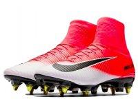 Nike: Jusqu'à -40% sur les chaussures de foot + code - 20% supplémentaires