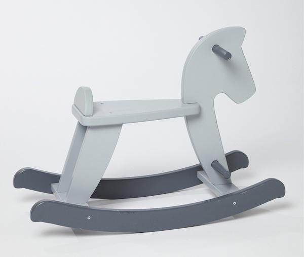 Cheval à bascule gris à 32,50€ au lieu de
