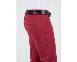 Father & Sons: Pantalon skinny rouge lie de vin à  39,90€ au lieu de 69,90€
