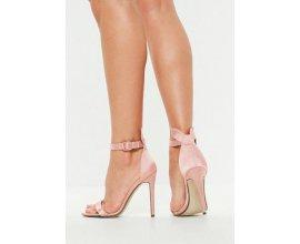 Missguided: Sandales rose en satin à oreilles de lapin au prix de 9€ au lieu de 22,50€