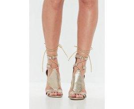 Missguided: Sandales à talons dorées texturées lacets croisés au prix de 21€ au lieu de 42€