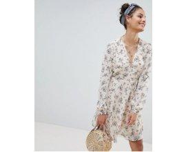 ASOS: Robe cache-coeur courte à fleurs et avec lien à la taille Glamorous à 18,49€ au lieu de 37,99€