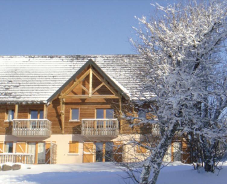 Code promo Petit Futé : Un séjour au ski pour 4 personnes à Super-Besse en Auvergne à gagner