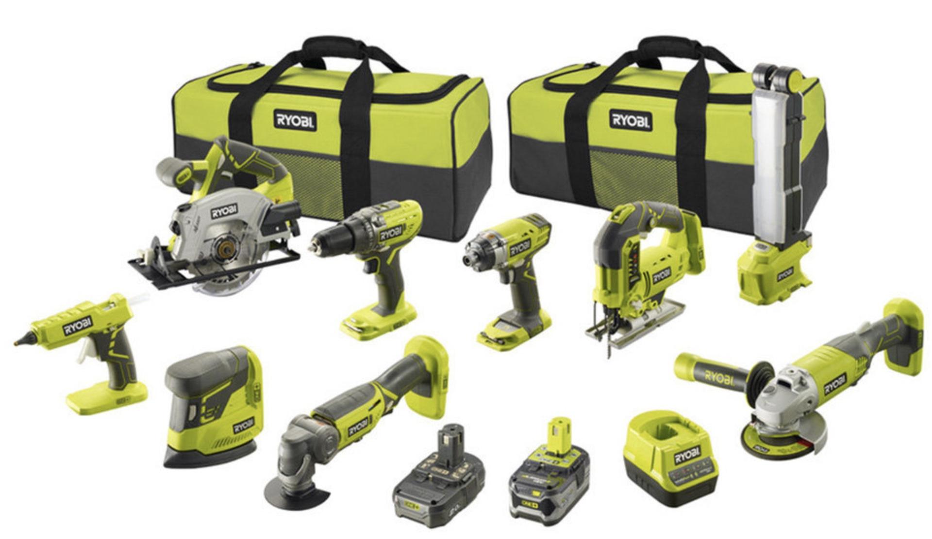 Code promo Brico Privé : Pack de 9 outils Ryobi + 2 batteries + 2 sacs de transport + chargeur à 699,99€